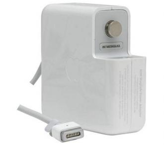 "Apple MagSafe power Adapter - 60W ( MacBook and 13"" MacBook"